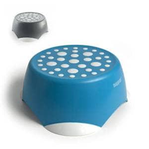 Uporabna in praktična otroška stopnička za pomoč otroku pri doseganju predmetov